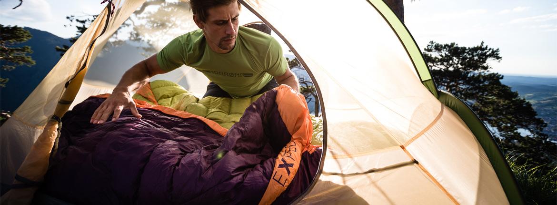 Schlafsäcke und Decken